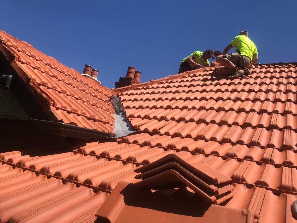 roof restoration wantirna services